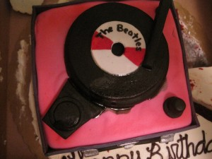 Savor, Record Player Cake 2011 013